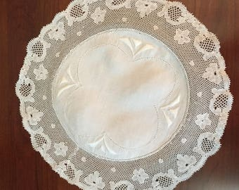 Vintage Point de Paris Bobbin Lace Trim Doily