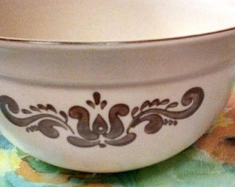 Vintage Pfaitzeraff 2 Quart Brown Village Stone ware Mixing Bowl 456