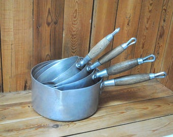 handle tin pans set wood spout pourer sides wood handle vintage tinplate