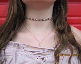 Brown and clear choker