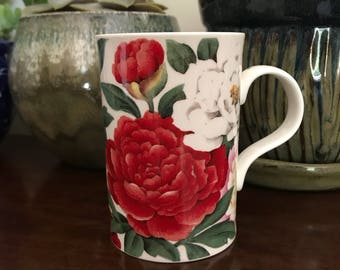 FlORAL MUG shabby chic english vintage fine bone china england summer allan peake wren kitschy kitsch cup coffee tea roses red white pink