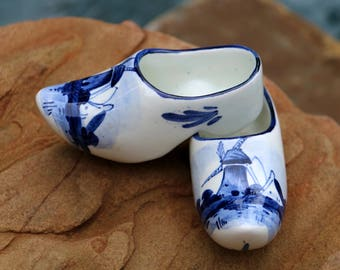 "Pair of Vintage Delft Blue Porcelain Ceramic ""Wooden"" Shoes with Dutch Windmill Designs- Made in Holland - Live in Moment Vintage"