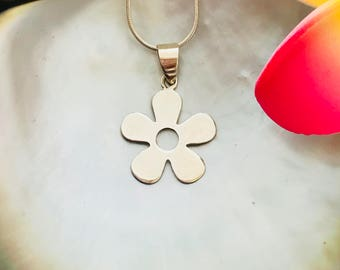 SOLID .925 STERLING SILVER- Daisy Silverpasifika Flower Pendant