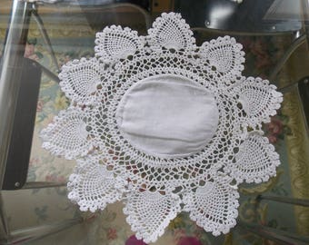 Vintage French metis and lace doily