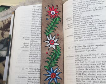 Paper Amate Flowers Bookmark