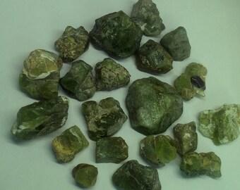 WOW 193.8 Grams, 20 Pieces 100% Natural Rough Peridot Crystal Specimens lot from Pakistan / Rough Peridots / Natural Peridot / Raw Peridots