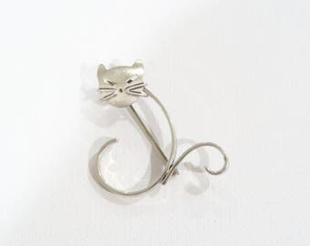 Beau sterling cat brooch