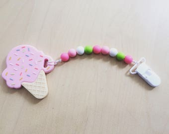 2 in 1! Velcro closure and ice cream Strawberry teething toy