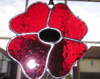 Large Red Poppy, Remembrance Day, Lest We Forget, Stained Glass Suncatcher, Handmade in England