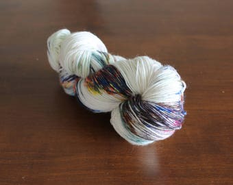 Handdyed yarn, sock yarn, fingering weight, yarn, socksanity, socksanity Nu Wa, cream, white, aqua, orange