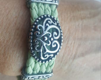 Don't know name or make, but is braided leather, magnetic clasp