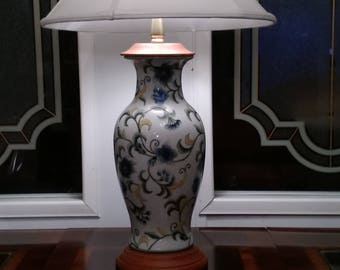 Beautiful lamp- clean and bright in color . compatible in any room .