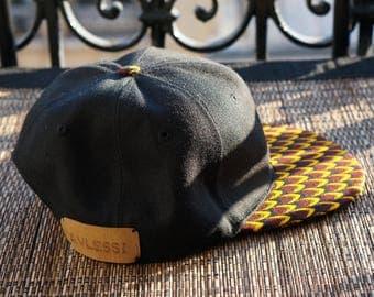 Avlessi bi-material wax and Black Twill Cap