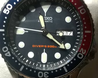 SEIKO DIVERS  200 meters PEPS i   dial  day  ..date  automatic