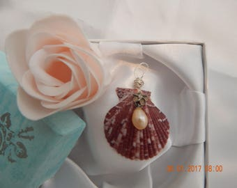 Seashell with pink pearl pendant