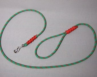 Leash 1.35 m rope green & red, 6 mm red whipping