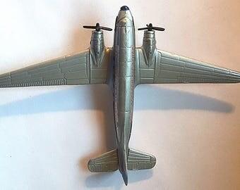 Die Cast DC-3 Airplane Model Airplane