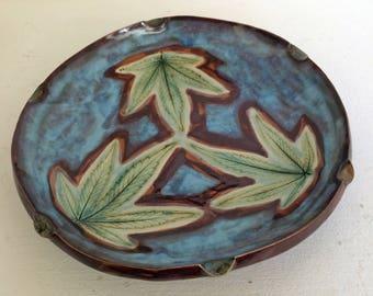 Three floating leaves,  leaf impression  ash tray