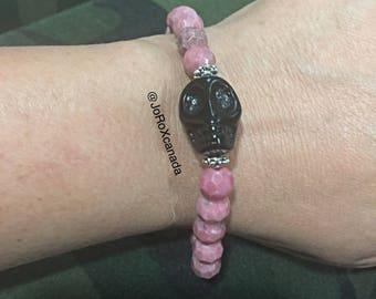 Rhodonite and Howlite Skull Bracelet