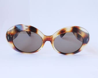 Vintage Oval Sunglasses 1960s Oversized Tortoiseshell leopard,  Vanzina,  made in France Glomourpuss 60s Sixties, Cat eye sunglassesI
