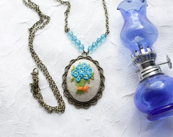 Embroidery Blue Flower Bouquet Necklace
