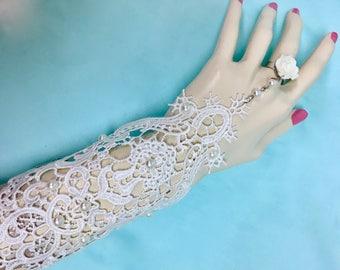 White Bridal Gloves, White Wedding Gloves, Lace Bridal Gloves, Lace Wedding Gloves, Fingerless Bridal Gloves, Fingerless Wedding Gloves