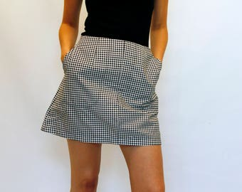 mod style retro dog-tooth skirt