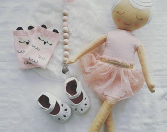 Pink owl socks for baby