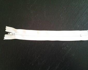 White 18 cm zipper