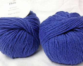 10 balls /bleu/ wool and cashmere made in FRANCE