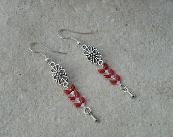 Red enameled ears chain earrings