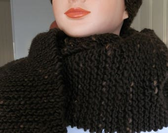 SCARF KNITTED WITH A CHUNKY YARN GIVING A NATURAL EFFECT 'RUSTIC' MIXED