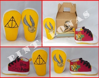 """Baby Booties """"Harry Potter"""" hand-painted"""