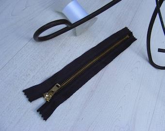 23 cm Brown metal zipper