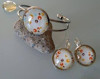 Set Bangle bracelet + earrings with round pattern beige/orange/blue glass cabochon