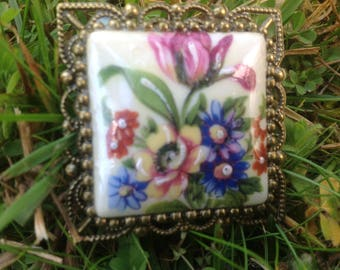 Romantic Decor cabochon in Limoges porcelain brooch
