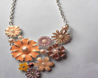 Pretty Flower necklace