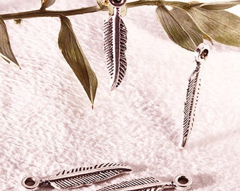 30 metal feather charms silver 21 x 4, 5mm