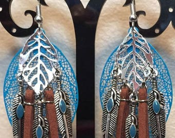 Earrings-pierced - blue and Brown - Indian feathers