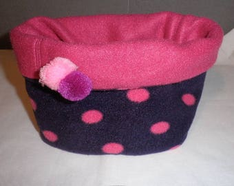 Snood / child neck wit a pole face purple and raspberry polka dots and one plain raspberry