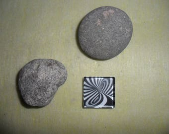 black white striped abstract pattern glass cabochon, square 25 x 25 mm