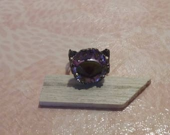 Metal - deep pink and yellow stone ring