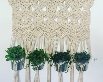 """Loom macrame, """"hanging Garden""""."""