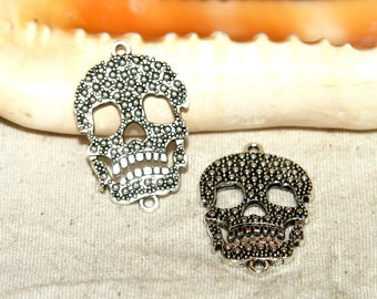 X 2 metal skull connector silver 22 x 34 mm