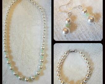Elegant set of white swarovski pearls