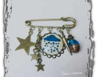 Brooch pin retro vintage glass cabochon, cloud, rain, fall, stars