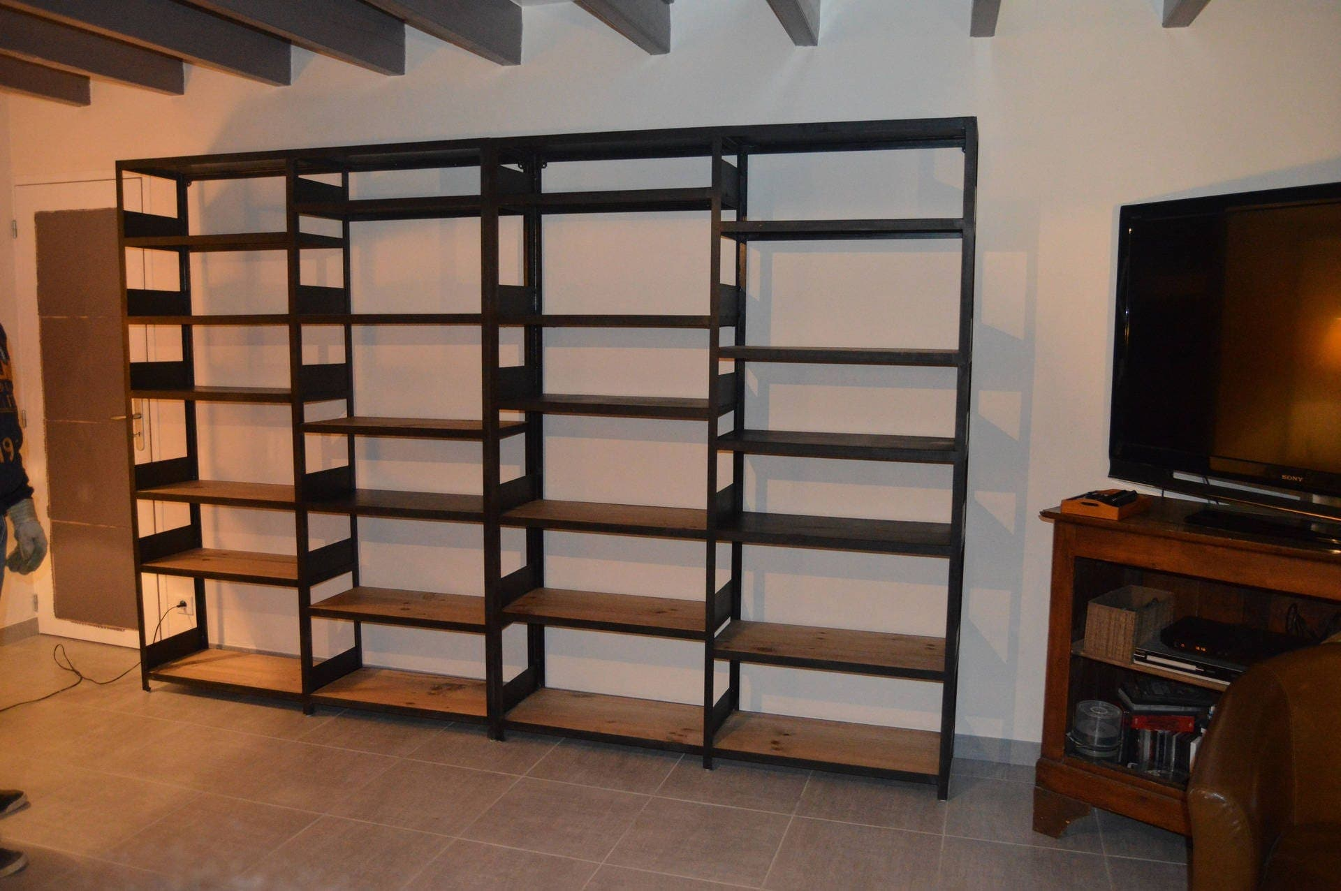 meuble industriel biblioth que acier et bois. Black Bedroom Furniture Sets. Home Design Ideas