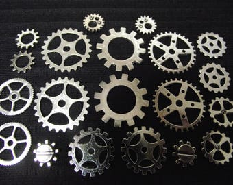 Set of 20 watch gears, steampunk, silver color.