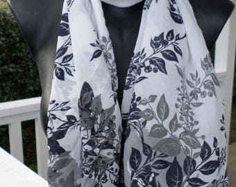Shawl woman black and white nice wedding