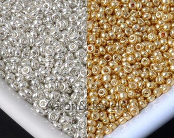 100 gold or silver 2 mm Czech glass beads